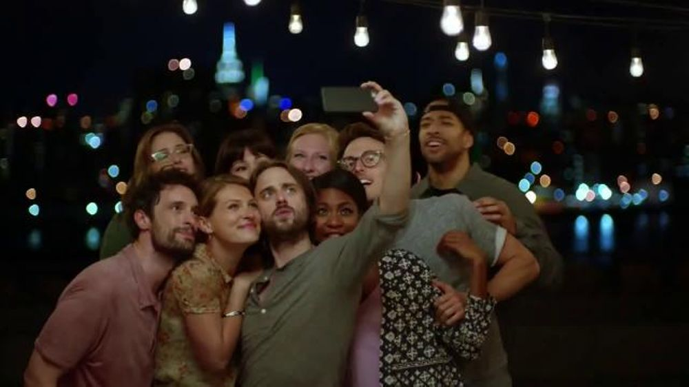 Samsung Galaxy S6 Edge TV Commercial, 'Change the Way You ...
