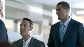 SK Energy TV Spot Con Colin Kaepernick [Spanish] - Thumbnail 3