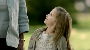 Walgreens TV Spot, 'Fountain' - Thumbnail 9