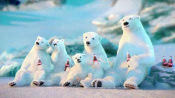 Coca-Cola 2014 Holiday TV Spot, 'Snow Polar Bear' - Thumbnail 6