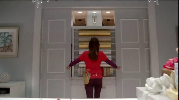 TJ Maxx, Marshalls and HomeGoods TV Spot, 'The Gifter: Never Settle' - Thumbnail 6