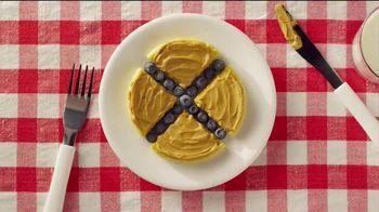 Eggo Homestyle Waffles TV Spot, 'Toppings' - Thumbnail 5