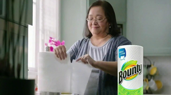 Bounty Select-A-Size TV Spot Featuring Julie Chu - Thumbnail 6