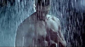 Versace EROS TV Spot, 'The New Fragrance for Men' - Thumbnail 5