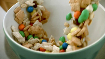 Chex Party Mix TV Spot, 'Christmas' - Thumbnail 4