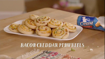 Pillsbury Crescent TV Spot, 'Bacon Cheddar Pinwheels'