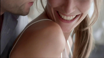 Nivea Extended Moisture Body Lotion TV Spot  - Thumbnail 9