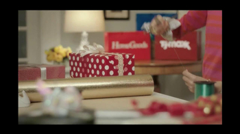 TJ Maxx, Marshalls and HomeGoods TV Spot, 'The Gifter' Featuring Olga Fonda - Thumbnail 8