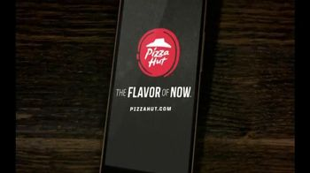 Pizza Hut Big Flavor Dipper Pizza TV Spot, 'Bigger' - Thumbnail 10