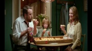 Pizza Hut Big Flavor Dipper Pizza TV Spot, 'Bigger' - Thumbnail 4