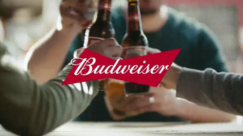 Budweiser TV Spot, 'Buds & Burgers' Song by DJ Sliink - Thumbnail 10