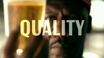 Budweiser TV Spot, 'Buds & Burgers' Song by DJ Sliink - Thumbnail 7
