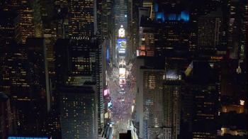 AT&T TV Spot, 'DIRECTV: Times Square' - Thumbnail 1