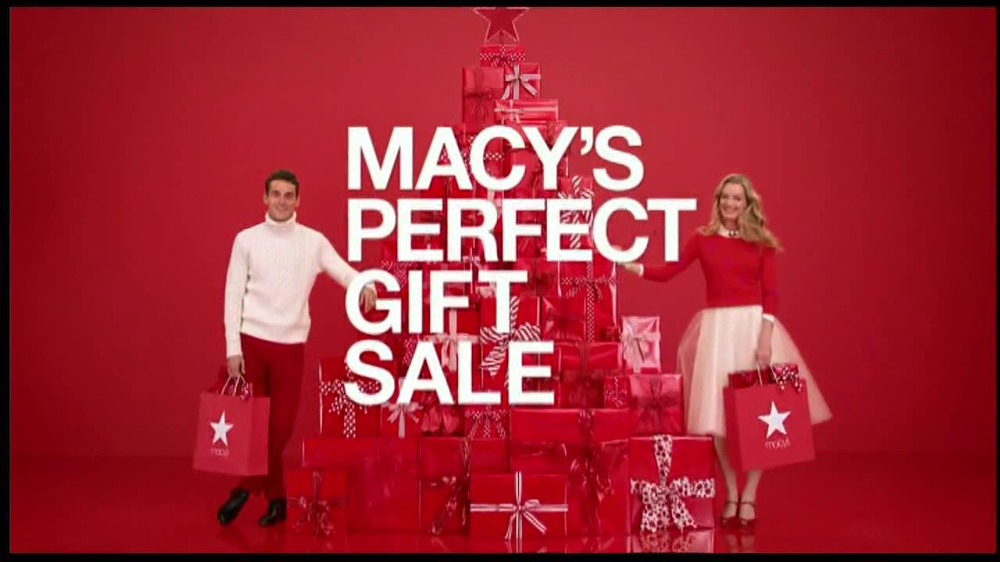macy 39 s perfect gift sale tv commercial 39 be santa 39. Black Bedroom Furniture Sets. Home Design Ideas