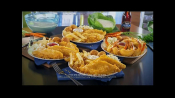 Long John Silver's Two for $10 TV Spot, 'Stranger' - Thumbnail 9