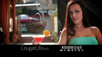 Cougarlife.com TV Spot, 'Cougar Life in the City' - Thumbnail 9