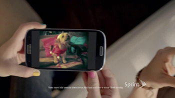 Sprint TV Spot, 'Animals Sing Deck the Halls' - Thumbnail 7