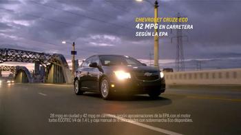 Chevrolet Cruze Eco TV Spot, 'Una Nueva Comunidad' [Spanish] - Thumbnail 10