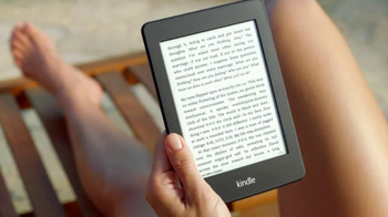 Amazon Kindle Paperwhite TV Spot, 'Poolside' Song by Cocoon - Thumbnail 4