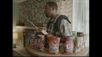 Chex Mix TV Spot, 'Combo Packs' - Thumbnail 6
