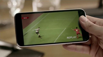 Verizon TV Spot, 'Me Agarro El Gol' [Spanish] - Thumbnail 8