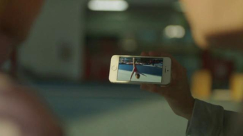 Apple iPhone 5s TV Spot, 'Strength' Song by Bernie Knee - Thumbnail 5