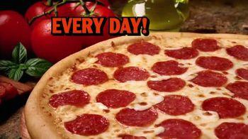 Little Caesars Pizza TV Spot, '$5 Hot-N-Ready Jingle' - Thumbnail 5