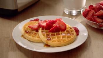 EGGO Waffles TV Spot, 'Sharing a Photo' - Thumbnail 10