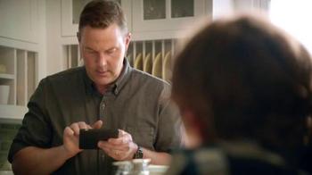 EGGO Waffles TV Spot, 'Sharing a Photo' - Thumbnail 4