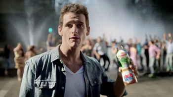 Lipton 100% Natural TV Spot, 'Street Party' Song by Givers - Thumbnail 5