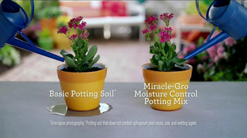 Miracle-Gro Moisture Control TV Spot, 'Couple'