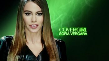 CoverGirl Clump Crusher TV Spot, 'Lash Addict' Featuring Sofia Vergara