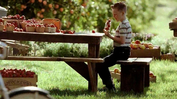 Smucker's Strawberry Preserves TV Spot, 'In the Jar' - Thumbnail 2