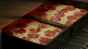 Little Caesars Pizza Hot-N-Ready Lunch Combo TV Spot, 'Busy People' - Thumbnail 6