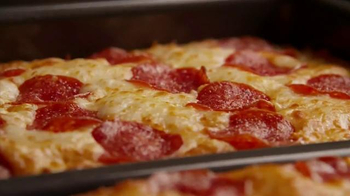 Little Caesars Pizza Hot-N-Ready Lunch Combo TV Spot, 'Busy People' - Thumbnail 7