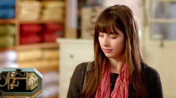 Pier 1 Imports TV Spot, 'Point' - Thumbnail 4