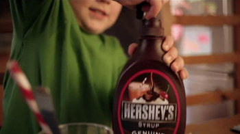 Hershey's Chocolate Syrup TV Spot, 'Stir It Up' - Thumbnail 5