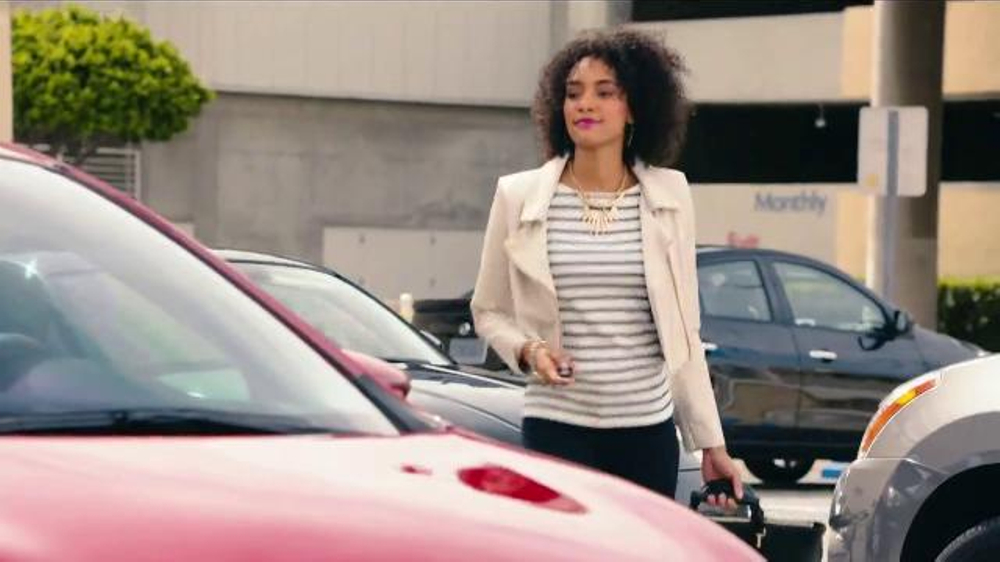 Nissan TV Commercial, 'Sentra Text' Featuring Jerimih ...