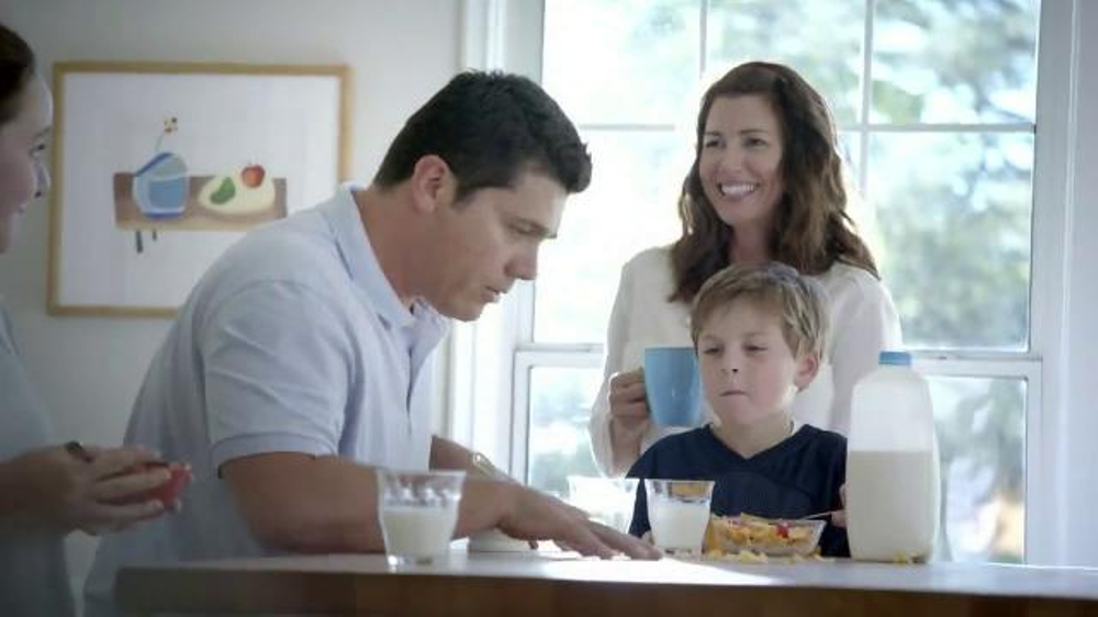 Frosted Flakes TV Commercial, 'Football Family' - iSpot.tv