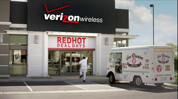 Verizon Red Hot Deal Days TV  Spot, 'Stop for No One' Song By Matt and Kim - Thumbnail 3