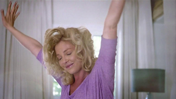 Vicks ZzzQuil TV Spot Con Katherine Heigl [Spanish]