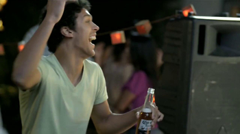 Corona Extra TV Spot, 'Fiesta' [Spanish] - Thumbnail 7