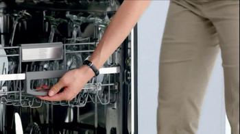 Sears Kenmore Dishwasher TV Spot, 'Tall Things in Small Spaces' - Thumbnail 4