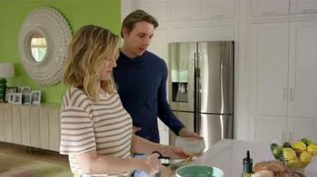 Samsung Home Appliances TV Spot, 'Wine Over Gravy' Ft. Kristen Bell - Thumbnail 5