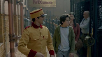 Twix TV Spot, 'Fábrica' [Spanish]