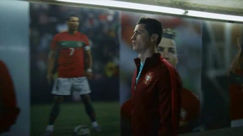 Nike TV Spot, 'Risk Everything' Feat. Cristiano Ronaldo, Boneco Neymar, Jr. - Thumbnail 7