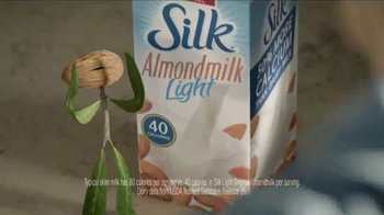 Silk Almond Milk Light TV Spot, 'Smoothie' - 2129 commercial airings