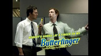 Butterfinger TV Spot, 'Stapled'
