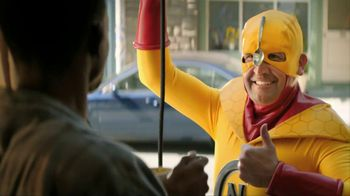 Kellogg's Crunchy Nut Cereal TV Spot Featuring A Man In Yellow Tights - Thumbnail 7