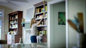 Swiffer 360 Duster Extender TV Spot, 'Book' - Thumbnail 1